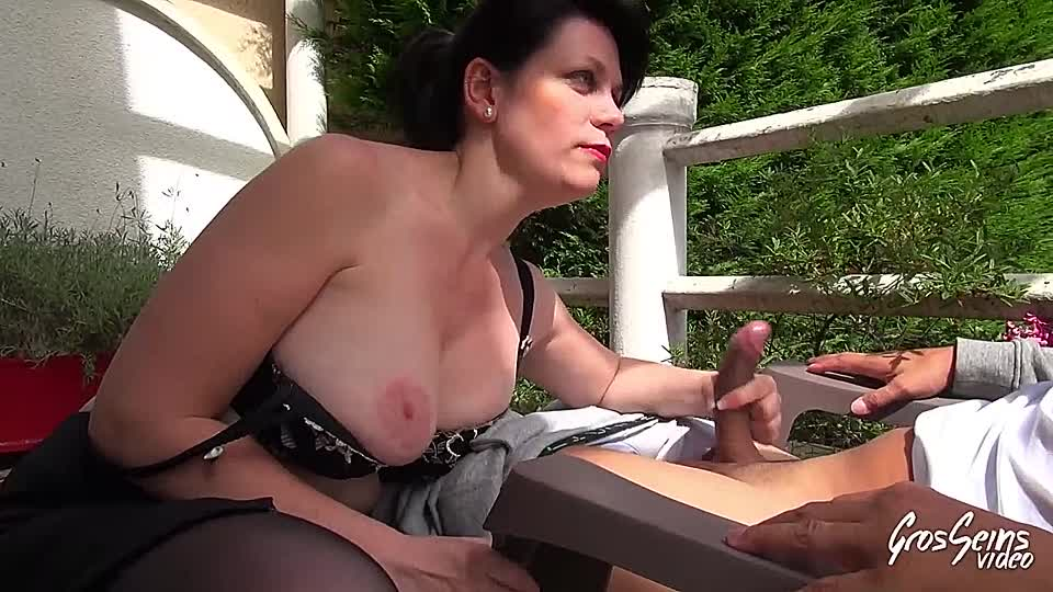 Versaute Mopse Bikini Massage